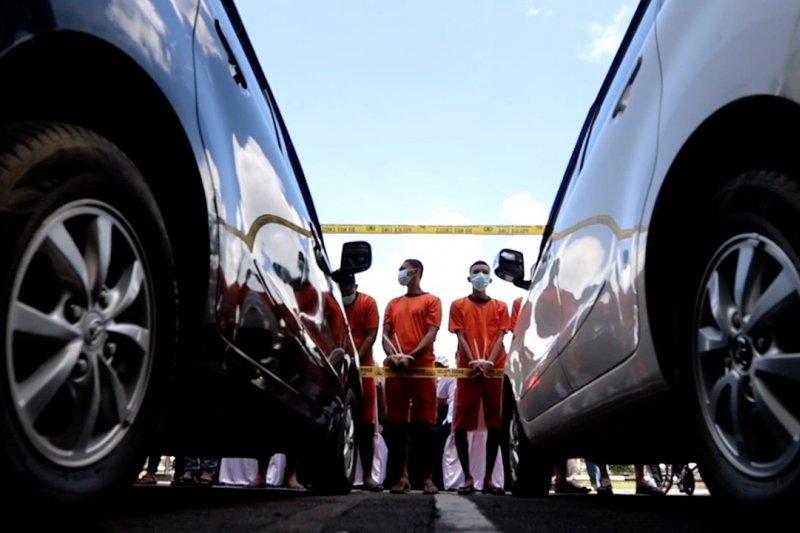 Polda Kalbar ungkap kasus penggelapan puluhan kendaraan bermotor senilai Rp 3 Miliar