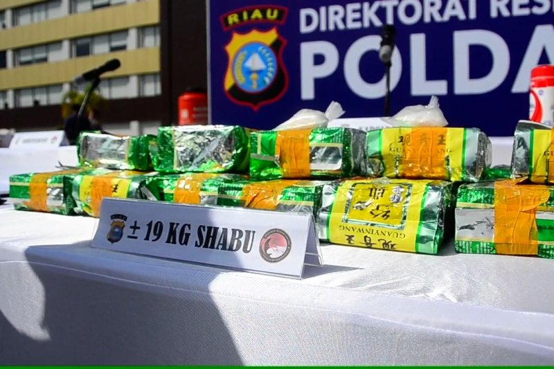 Polda riau bongkar peredaran narkoba lintas provinsi