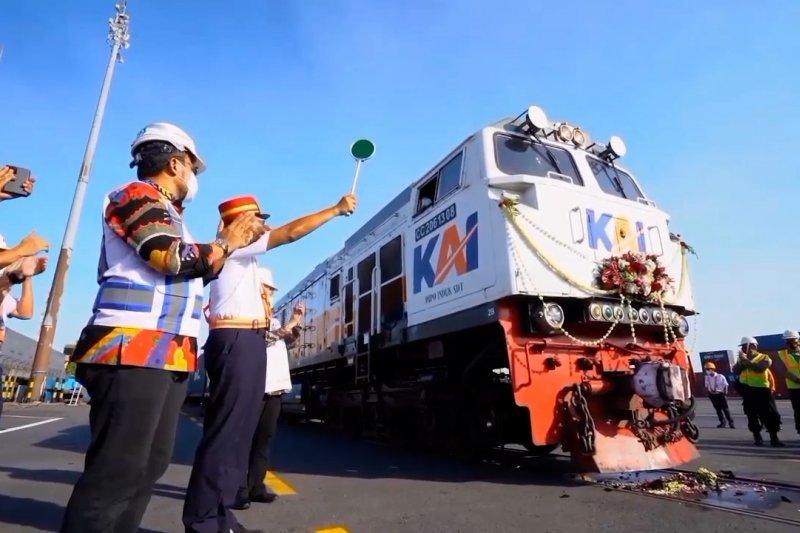 KAI reaktivasi kereta api logistik tujuan Pelabuhan Tanjung Perak