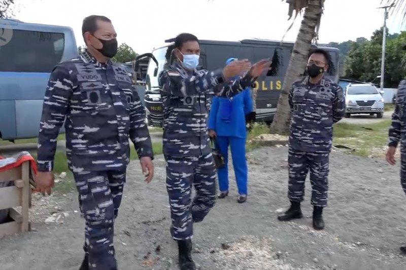 Dukung PON XX, Kasal siagakan Kapal Perang LST