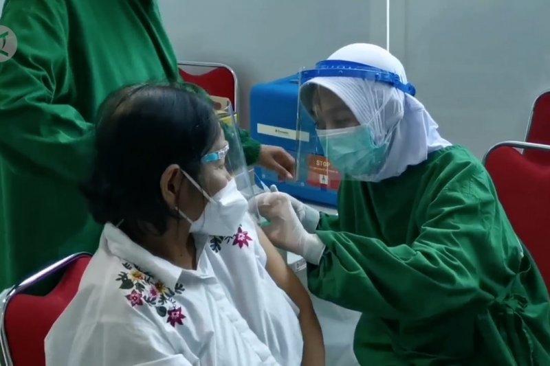 Kemenkes akan dorong berbagai cara perluas vaksinasi lansia