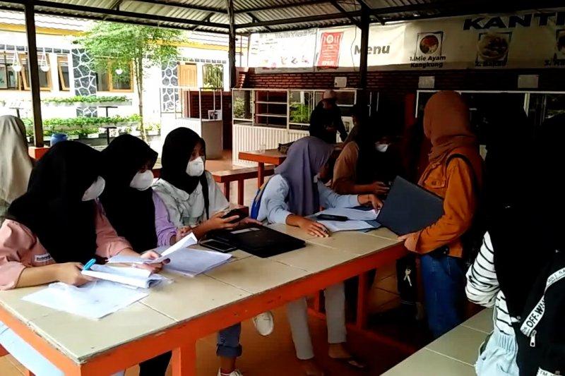 PPDB on line SMA di Pandeglang terkendala jaringan