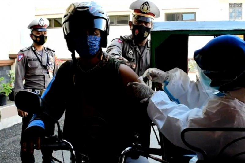 Polres Lhokseumawe gelar vaksinasi tanpa turun