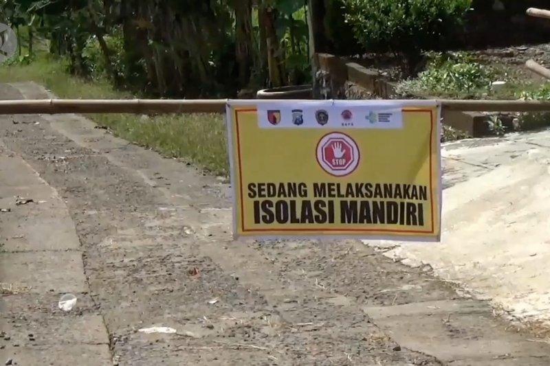 66 warga reaktif, satu desa di Madiun diisolasi