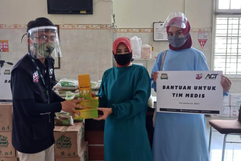 ACT Cabang Purwokerto salurkan bantuan untuk tenaga medis