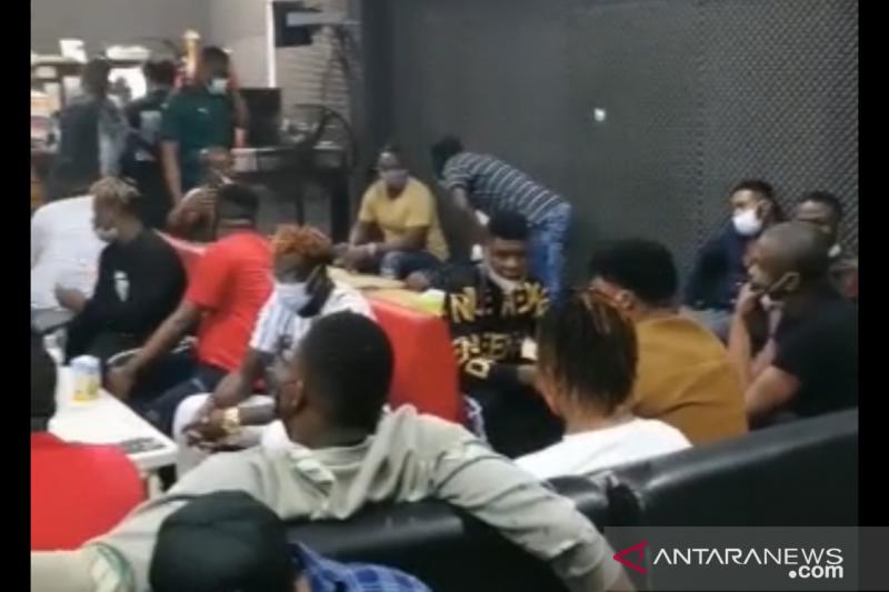 Pemilik kafe di Kelapa Gading jadi tersangka pelanggaran PPKM Darurat