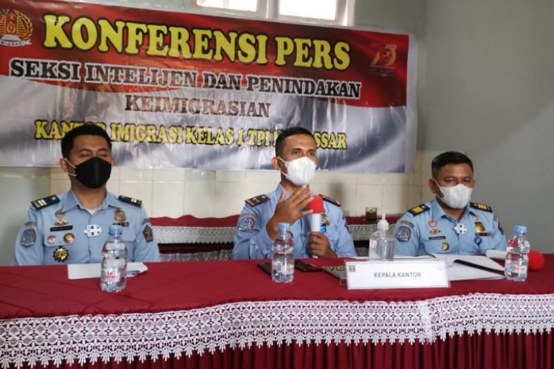 Imigrasi Makassar sebut izin kerja 20 TKA masih menunggu Kemenaker