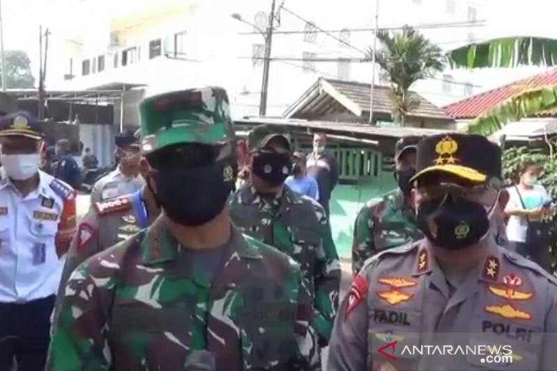 Pangdam dan Kapolda tinjau pos penyekatan PPKM Darurat di Lampiri