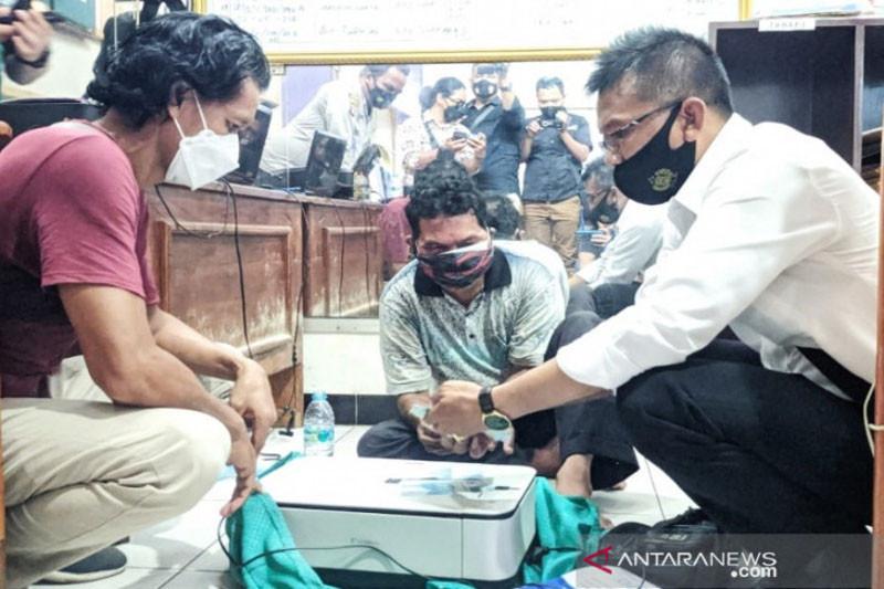 Pengedar uang palsu  dipergoki  pedagang di Sampit