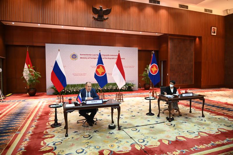 Pimpin pertemuan menlu ASEAN-Rusia, Retno dorong kerja sama vaksin