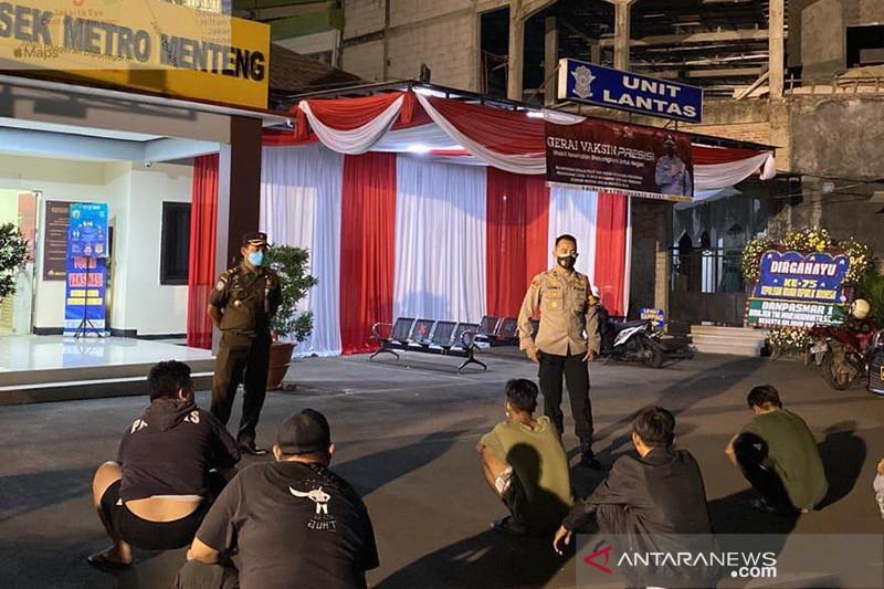 70 tersangka dan 34 kantor disegel karena langgar PPKM Darurat di DKI