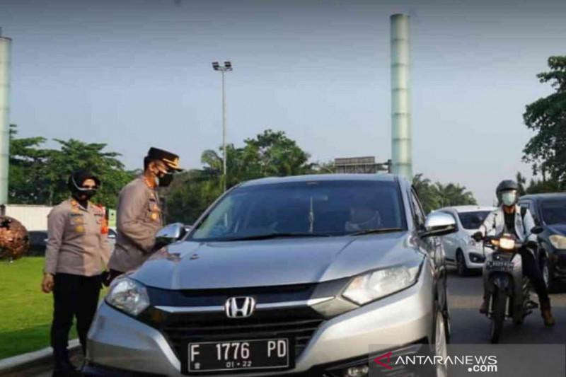 Dukung PPKM darurat, polisi tutup dua akses tol Bekasi arah Jakarta