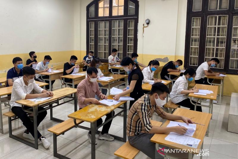 Kasus COVID melonjak, kota-kota terbesar Vietnam perketat pembatasan