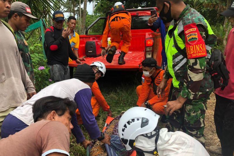 Seorang warga Natuna ditemukan meninggal saat mencari madu di hutan