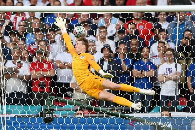 Catatan nirbobol Inggris raib, babak pertama imbang 1-1 lawan Denmark