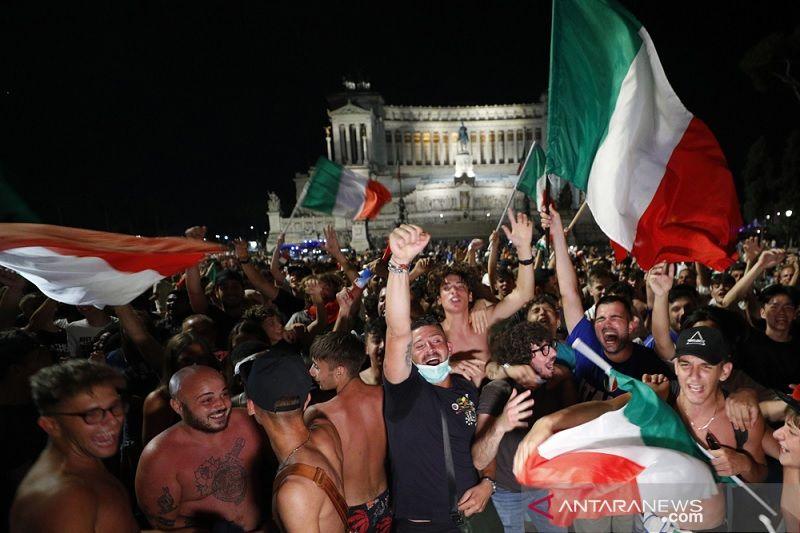 20210708 suporter italia