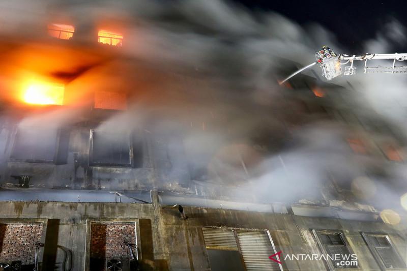 Kebakaran pabrik di Dhaka Bangladesh