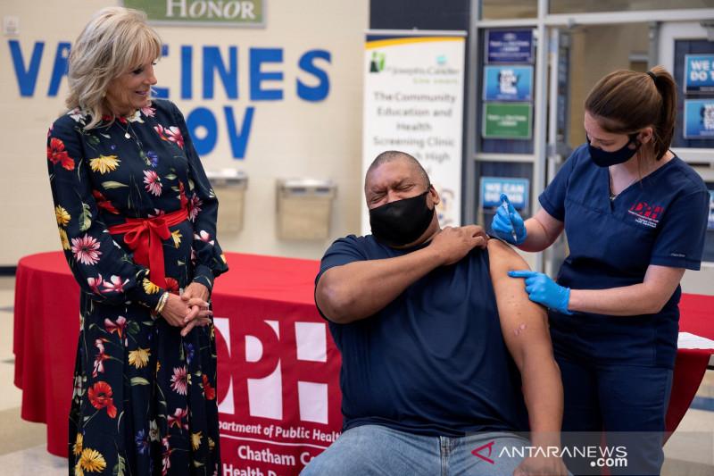 Biden akan bahas tanggapan COVID setelah CDC dukung vaksin