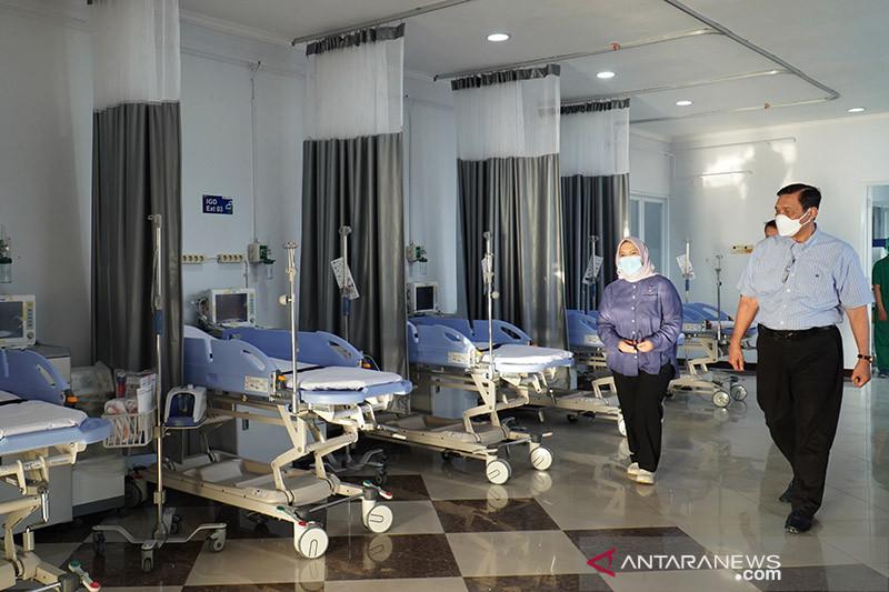 Luhut minta pasien dirawat di isolasi terpusat tekan kasus kematian