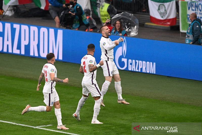 Babak pertama final Euro 2020, gol rekor Shaw bawa Inggris memimpin