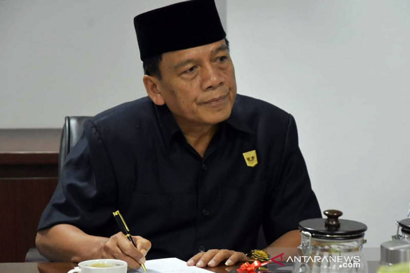 Wakil Ketua DPRD Sumbar minta polisi tindak tegas premanisme di Padang