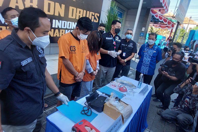 BNNP tangkap selebgram dan manajer klub malam di Bali