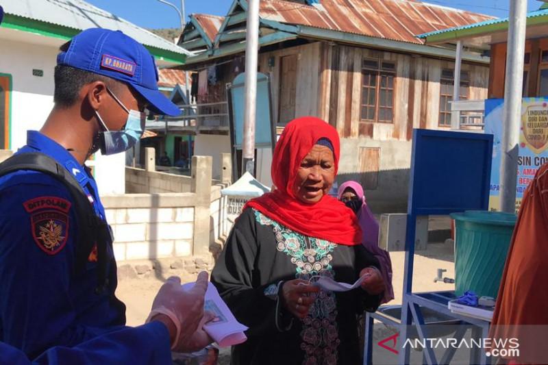 700 warga di Pulau Komodo terima vaksin COVID-19 dosis pertama