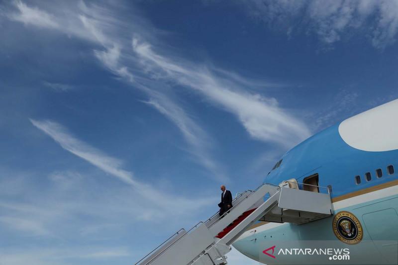 Biden: AS tinjau pencabutan larangan perjalanan untuk Eropa