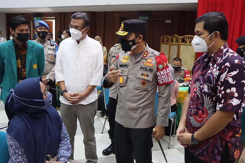 Kapolda Aceh mengajak mahasiswa kampanyekan vaksinasi COVID-19
