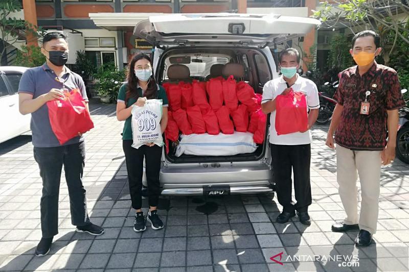 Dinsos Denpasar salurkan 5.018 paket sembako bagi masyarakat isoman