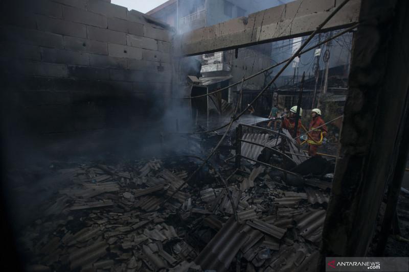 Jakarta kemarin, kebakaran Teluk Gong hingga kolaborasi lawan COVID-19