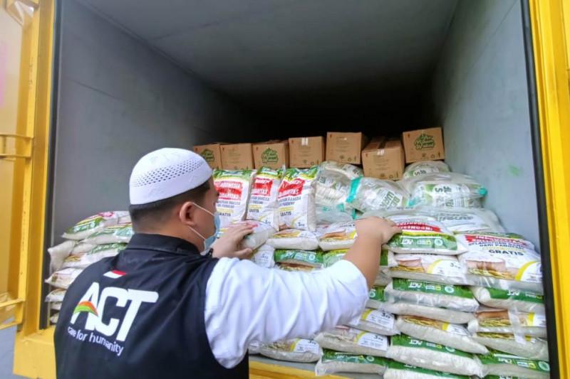ACT masifkan distribusi hewan kurban dan operasi pangan gratis