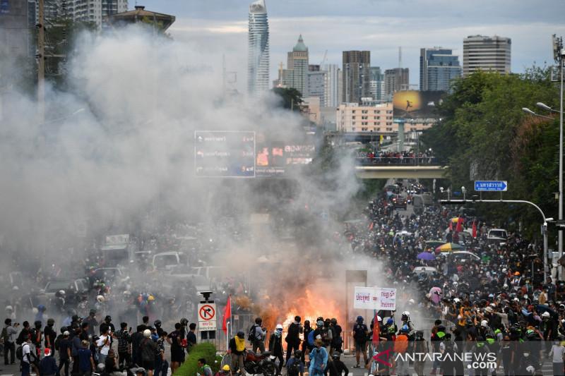PM Thailand dituntut mundur saat COVID-19 melonjak
