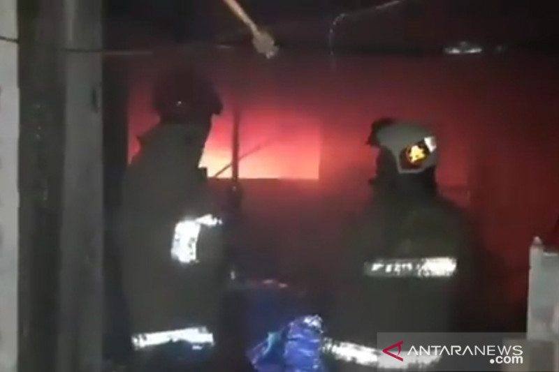 Lebih dari tiga jam damkar padamkan kebakaran kantor BPOM Jakarta