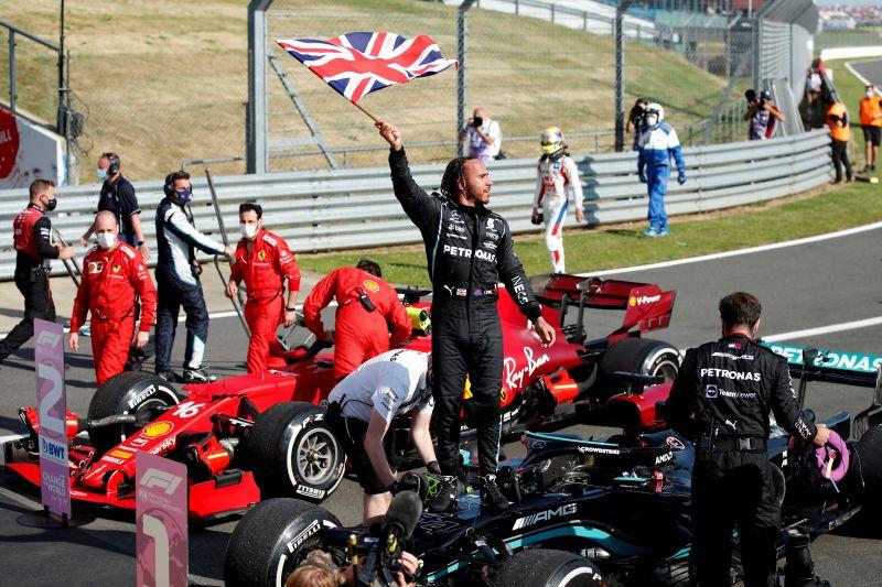 Verstappen kecelakaan, Hamilton juarai GP Inggris untuk kedelapan kali