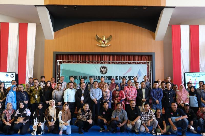 Dubes RI imbau pekerja migran Indonesia di Brunei patuh hukum setempat
