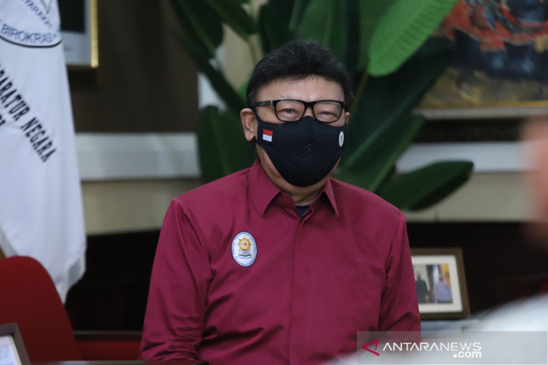 Menpan minta ASN pada masa pandemi COVID-19 peduli lingkungan sekitar