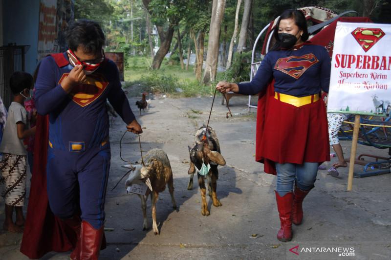 Superhero kirim hewan kurban