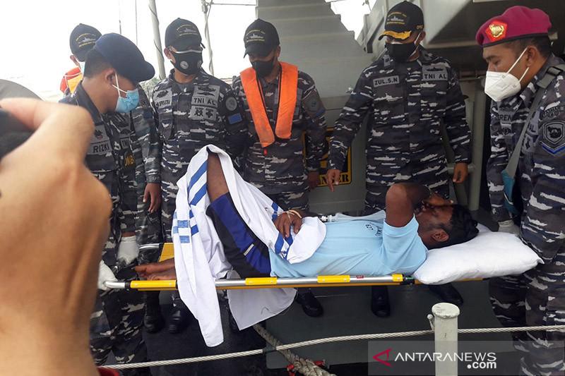 Tim SAR Pontianak evakuasi tujuh nelayan, dua selamat