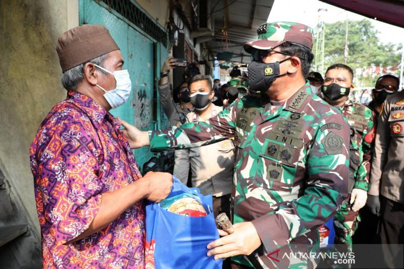 Panglima TNI sebut daerah pinggiran Jakarta fokus serbuan vaksinasi