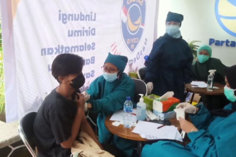 Partai NasDem mempercepat target vaksinasi 30.000 dosis di Jabar