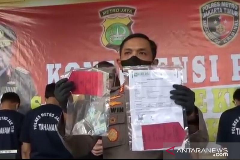 Polrestro Jakarta Timur tangkap lima orang terkait surat PCR palsu