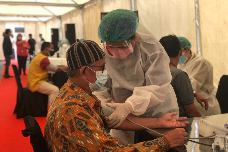 Kolaborasi Kemenparekraf-swasta percepat distribusi vaksin COVID-19