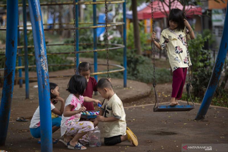 Penanganan COVID-19 di Surabaya diharapkan beri perhatian kepada anak