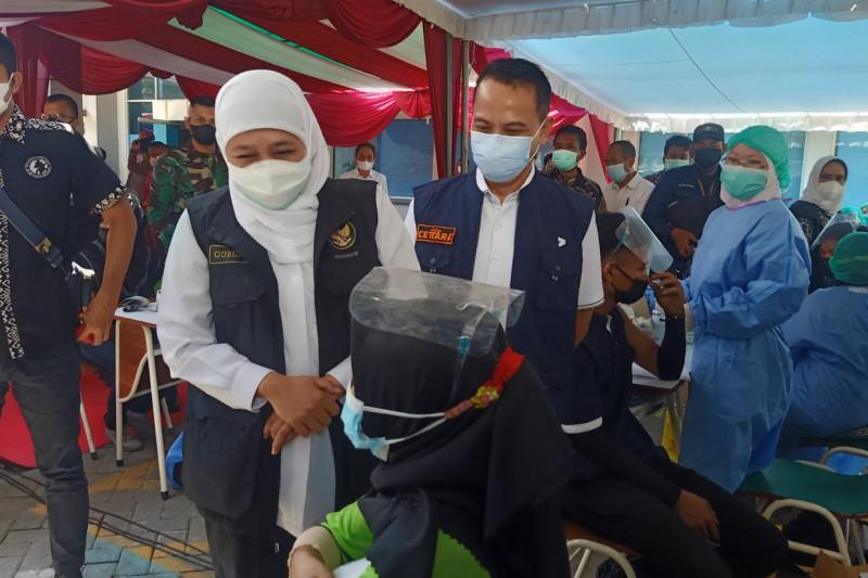 Gubernur Jatim pastikan pasokan vaksin aman