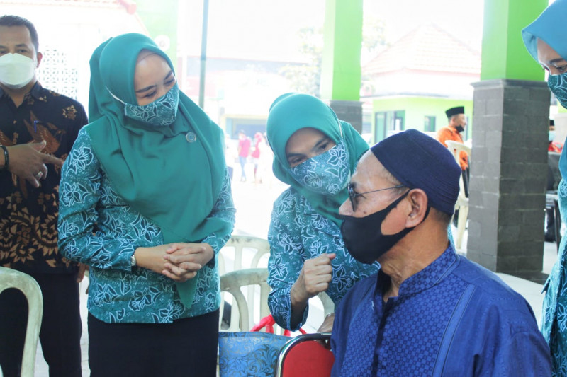 1.500 warga Porong dan Taman ikuti vaksinasi COVID-19