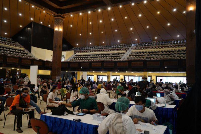 OJK-UGM gelar vaksinasi massal sasar 8.000 peserta di DIY