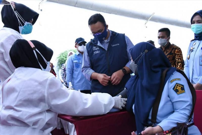 Anies ajak warga ikut vaksinasi untuk membuat Ibu Kota lebih sehat