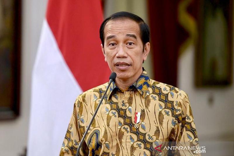 Presiden Jokowi perpanjang PPKM level 4 dengan beberapa penyesuaian