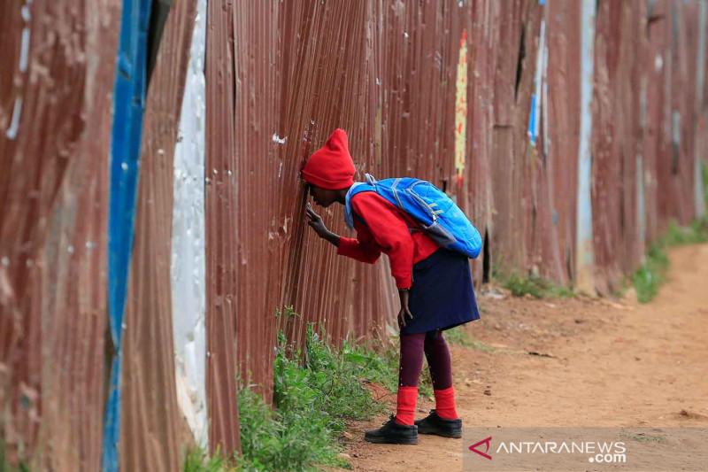 Sekolah dibuka kembali saat pandemi di Nairobi